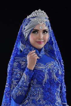 Muslimah Wedding Dress, Hijab Style Dress, Muslim Wedding Dresses, Muslim Brides, Beautiful Muslim Women, Beautiful Hijab, Wedding Hijab Styles, Bridal Hijab, Muslim Beauty