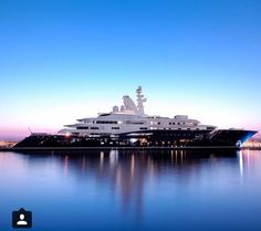 Super boats luxury most expensive Ideas Yacht Design, Boat Design, Yacht Luxury, Luxury Travel, Luxury Boats, Super Yachts, Expensive Yachts, Expensive Cars, Yacht Boat