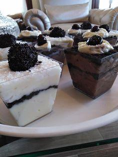 Φανταστικές παστούλες σε μπολάκια Cute Songs, Cheesecake, Pudding, Desserts, Food, Art, Blue Boots, Tailgate Desserts, Art Background