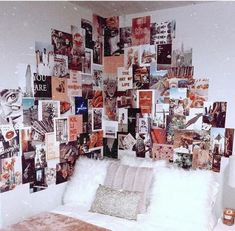 Terrific Photo wall decor bedroom pictures Concepts Seeing that you happen to be extremely pleased household proprietor, you're ready to porch the surfaces by usi. Bedroom Wall Collage, Photo Wall Collage, Collage Walls, Bedroom Picture Walls, Wall Collage Decor, Art Walls, Dormitory Room, Dorm Design, Design Design