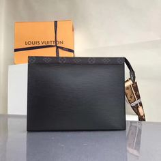 Louis Vuitton x Supreme Pochette Voyage MM Epi & Monogram Black 2017