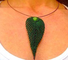 Macrame necklase leaf
