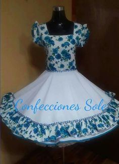Resultado de imagen para vestidos de huasa modernos Little Girl Dresses, Girls Dresses, Flower Girl Dresses, Cute Fashion, Womens Fashion, Dance Outfits, Looking For Women, I Dress, Vintage Dresses