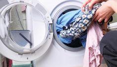 Δεν είναι τόσο τραγικό τελικά αν κάτι ξεβάψει στην πλύση    Δεν υπάρχει νοικοκυρά που να μην εχει βγάλει μπουγάδα σε αποχρώσεις του ροζ του μπλε και δε συμμαζεύεται. Ξέχασες να βάλεις χρωμοπαγίδα,μια κάλτσα κρύφτηκεμέσα στην πετσέτα ή …
