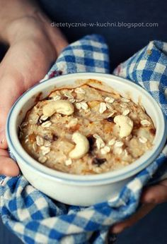 Owsianka pieczona z gruszką Snack Recipes, Cooking Recipes, Snacks, Healthy Life, Cereal, Oatmeal, Lunch Box, Food And Drink, Meals