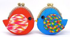 portamonete a forma di uccellino Coin Purse DIY ideas - I hate digging for change and my chapstick at the bottom of my purse, I totally need to make/buy one of these! Diy Coin Purse, Clutch Purse, Coin Purses, Hansel Y Gretel, Frame Purse, Bijoux Diy, Change Purse, Blue Bird, Grosgrain