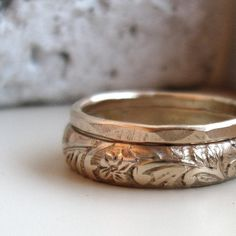 Pretty and simple wedding rings