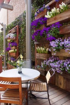 Fabulous DIY Vertical Garden Design Ideas Do you have a blank wall? the best way to that is to create a vertical garden wall inside your home. A vertical garden wall, also called a… Continue Reading → Vertical Garden Design, Backyard Garden Design, Small Backyard Landscaping, Diy Garden, Small Garden Design, Patio Design, Backyard Patio, Backyard Ideas, Patio Ideas
