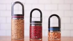 The EVAK food storage system is for people who like their food to be as fresh as possible. Thanks to a twin-valve lid which is only fractionally smaller than the glass jar containing the food, EVAK lets you suck air out of the jar and away from the food.