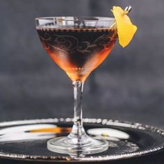 Cocktail Glass, Cocktail Drinks, Cocktail Recipes, Alcoholic Drinks, Liquor Drinks, Recipes Dinner, Easy Cocktails, Craft Cocktails, Vieux Carre Cocktail Recipe
