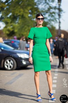 green dress with blue strappy sandals