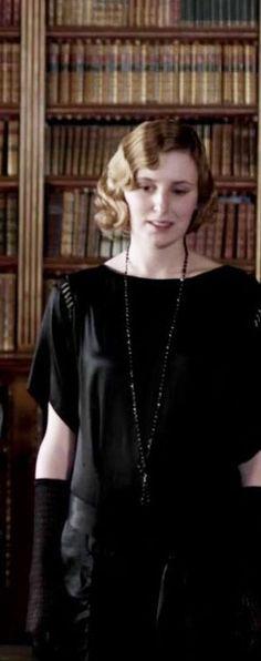 Lady Edith wears antique jet