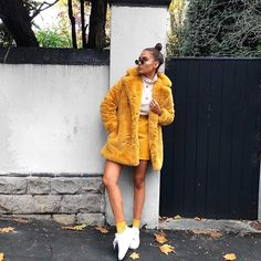 So I think I might have a thing for yellow... just maybe absolutely obsessing over this @missyempire coat