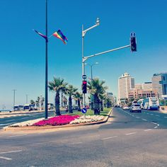There's something special about Tel Aviv in June.  The skies are clear, the sea is deep blue, the flowers are blooming, the streets are colorful, the days are long and with a nice soft breeze - Tel Aviv is just perfect this time of the year!  #telaviv #lovethiscity #tlvgayparade #summer #tlvliving #arrayofcolors (at Hatachana)