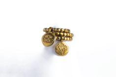Da portare assolutamente insieme, questi anellini hanno un fascino particolare, adatto a chi non rinuncia a un tocco originale! Cercali su www.nastasansone.it