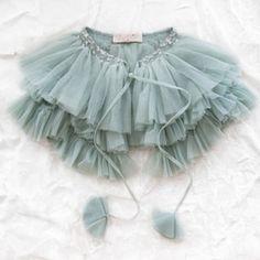 tutu du monde peekaboo cape, for the little princess Little Fashionista, Fashion Kids, Little Girl Dresses, Girls Dresses, Kids Mode, Textiles Y Moda, Little Presents, Little Princess, Kids Wear