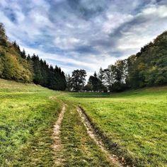 """""""Mi piace"""": 40, commenti: 1 - Andrea Fiore (@andretna) su Instagram: """"#eremosansalvatore a #erba #fields #prato #sky #cloud #grass #lombardia #lombardy"""""""