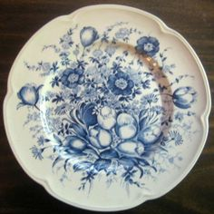 Blue Toile Transferware Tulip Vintage Plate S Antique China, Vintage China, Antique Glass, Blue Dishes, White Dishes, Blue And White China, Blue China, Vintage Plates, Kitchens
