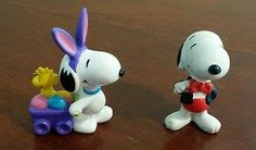 Peanuts Snoopy Woodstock rabbit Easter PVC FIGURES cake topper lot 2
