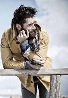 Ditch the Hoodie: Men's Rugged Style Photos) - Suburban Men Fotografie Portraits, Fashion Fotografie, Rugged Style, Hipster Hairstyles Men, Men's Hairstyles, Stylish Hairstyles, Style Brut, Men's Style, Look Man
