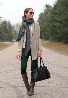 green jeans long cardigan fall autumn outfit