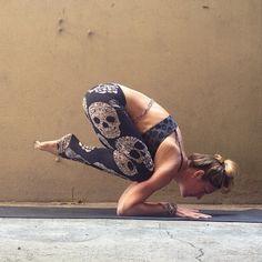 skull yoga pants!