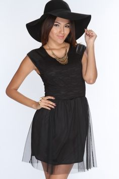 Rochie Beea, ra 6 Cheap Party Dresses, Cheap Clothes Online, Looking For Women, Sexy Outfits, Celebrity Style, Celebrities, Stuff To Buy, Black, Fashion