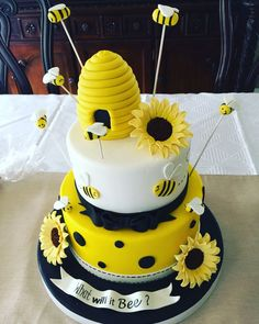 What will it bee! Gender reveal cake
