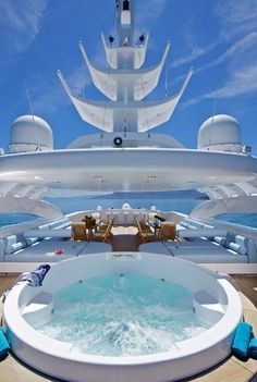 SUPERB YACHTS -         Perfect time for a relaxing jacuzzi...