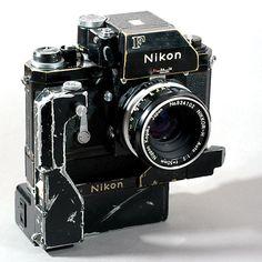 Nikon F+ Nikkor-H 50mm 1:2 + F36 motor AA battery pack //