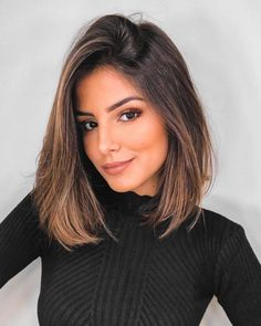 Hair Color 2017 2018 Brunette With Honey And Bronze highlights brunette bob Fan… - All For Hair Color Trending Brunette With Blonde Highlights, Brunette Bob, Blonde Hair, Blonde Honey, Blonde Eyebrows, Brunette Color, Golden Blonde, Dark Blonde, Long Bob Haircuts