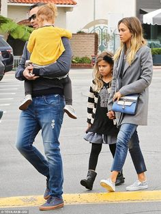 Jessica Alba and Cash Warren went on a family breakfast outing in Brentwood, California.  (February 2015)