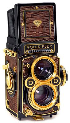 Vintage Cameras Rollei flex cameras are a great accent for the treasure hunter steampunk outfit. They just have the look without any alterations! Dslr Photography Tips, Photography Equipment, Film Photography, Pregnancy Photography, Outdoor Photography, Street Photography, Landscape Photography, Fashion Photography, Wedding Photography