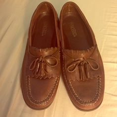 EUC Leather Loafers Gorgeous condition. Hand-crafted! Very minimal wear. 8.5 Dexter Shoes Flats & Loafers