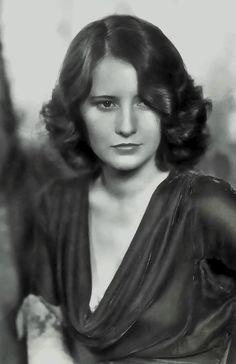 #classics #oldhollywood #BarbaraStanwyck Classic Hollywood stars.  Vintage Style. Barbara Stanwyck