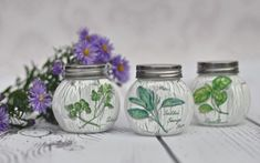 DECOUPAGE jars for spices - tutorial DIY. I will show you how to decoupage bauble. This video shows and explains all the techniques step by step. I used decoupage glue and paper napkins, varnish and acrylics. It is easy to do even if you dont have much Decoupage Jars, Decoupage Tutorial, Diy Tutorial, Decoupage Dresser, Origami Leaves, Jar Centerpieces, Paper Flower Tutorial, Clay Vase, Recycled Crafts