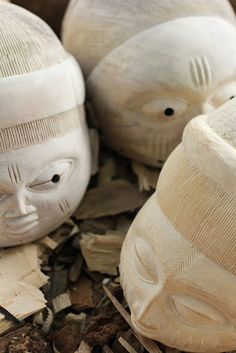 Kifouli Dossou: Fin du week end chez Kifouli African Art, Traditional Art, Garden Sculpture, Orisha, Outdoor Decor, Places, Contemporary Artists, Contemporary Art, African