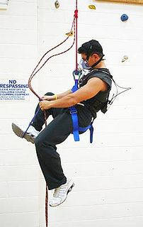 Energy expenditure measurement during free-climbing activities with COSMED K4b2     To know more: http://www.cosmed.com/k4b2  Source: Scientific study by the Department of Health Professions and Kinesiology, Hofstra University, Hempstead, NY,USA