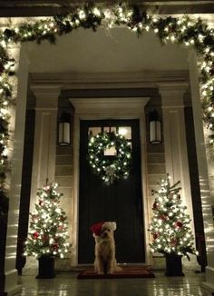 A Whole Bunch Of Christmas Porch Decorating Ideas I totally need a Front Porch to decorate for Christmas! Love the feeling that this gives me. I love Christmas time! A Whole Bunch Of Christmas Porch Decorating Ideas – Christmas Decorating – Christmas Time Is Here, Noel Christmas, Winter Christmas, Christmas Entryway, Vintage Christmas, Christmas Puppy, Christmas Porch Ideas, Simple Christmas, Christmas Garlands