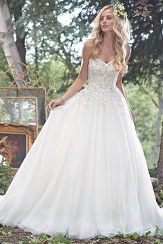 Tulle ballgown with lace bodice and sweetheart neckline - Maggie Sottero