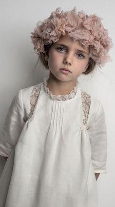 spring fashion child looks like kenz Little Girl Dresses, Girls Dresses, Flower Girl Dresses, Little Girl Fashion, Kids Fashion, Spring Fashion, Inspiration Mode, Stylish Kids, Kids Wear