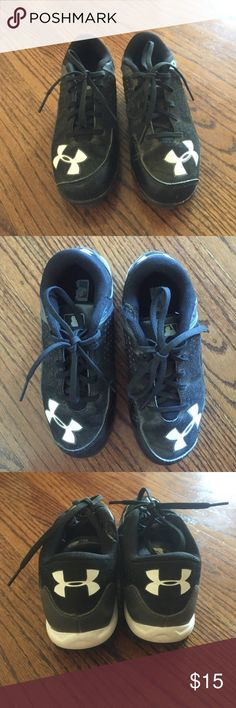 Under Armoir boys baseball cleats Worn for one season still in great shape. Small tear at top but does not affect feel. Comfy and stylish. Under Armour Shoes Athletic Shoes