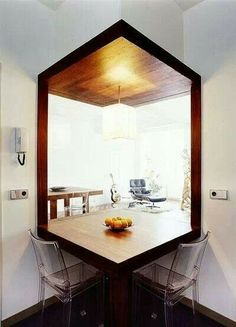 Table nook semi open plan