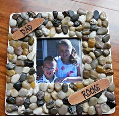 DAD ROCKS picture frame, super easy and very inexpensive