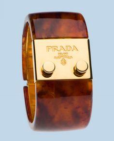 Prada tortoise & gold bangle for Kay Jewelry Box, Jewelery, Jewelry Accessories, Fashion Accessories, Fashion Bracelets, Bangle Bracelets, Fashion Jewelry, Ringa Linga, Gold Bangles