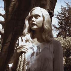 Miss Peregrine's / Emma
