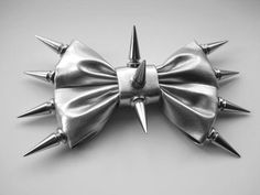 Spiked bow. Need two for my dread buns ^-^