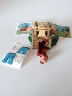 Kinder Surprise Toys Micro Hedgehog Log House Prickly Family 2001 4 | eBay