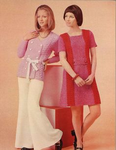 Pink & Red is a pair of vintage womens cardigan sweater knitting pattern + womens cabled sweater dress pattern from Spinnerin booklet ★ Sweater sizes (shown left): Vintage 1950s Dresses, Vintage Outfits, Vintage Fashion, 60s Dresses, Vintage Clothing, Vintage Beauty, Party Dresses, Vintage Style, Crochet Pattern