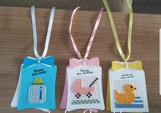 Mini Cross Stitch, Cross Stitch Cards, Cross Stitch Embroidery, Cross Stitch Patterns, Spinner Card, Pixel Crochet, Diy And Crafts, Paper Crafts, Marianne Design